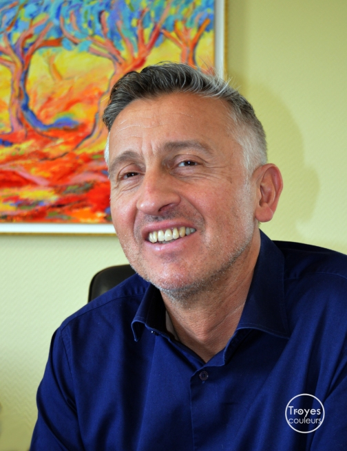 Bruno Nahan, Bugis.