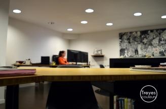 Bureau de l'agence de communication Ikadia.