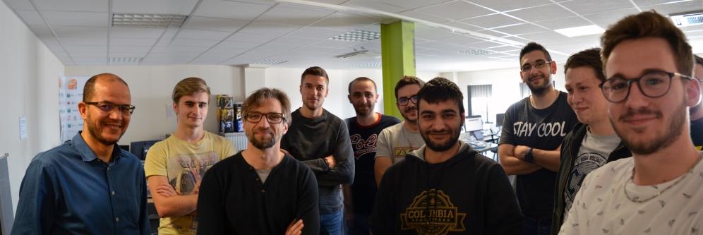 Une partie de l'équipe du pôle de développement d'Alpix autour d'Alexis Vernier.